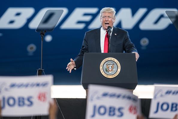 Beginnings「Donald Trump Visits S. Carolina Boeing Plant For Debut Of 787-10 Dreamliner」:写真・画像(17)[壁紙.com]