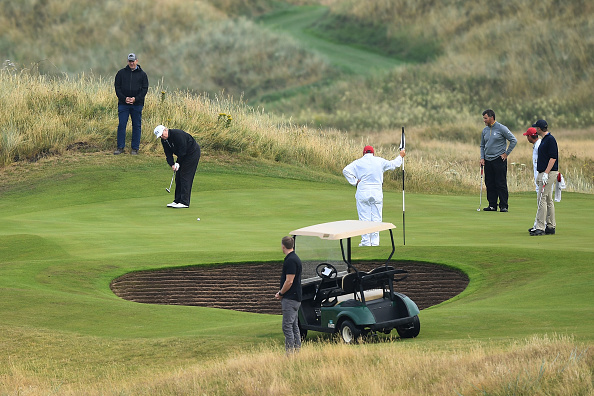 Turnberry「Scotland Protests At The Visit Of United States President Donald Trump」:写真・画像(12)[壁紙.com]