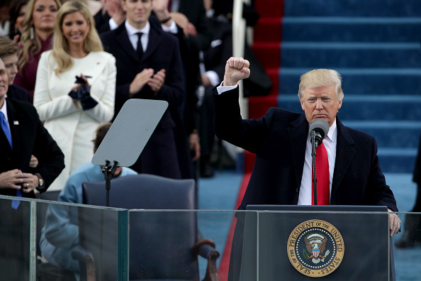 Fist「Donald Trump Is Sworn In As 45th President Of The United States」:写真・画像(6)[壁紙.com]