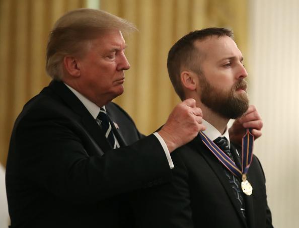 Oregon - US State「President Donald Trump Presents Public Safety Officer Medal Of Valor」:写真・画像(18)[壁紙.com]