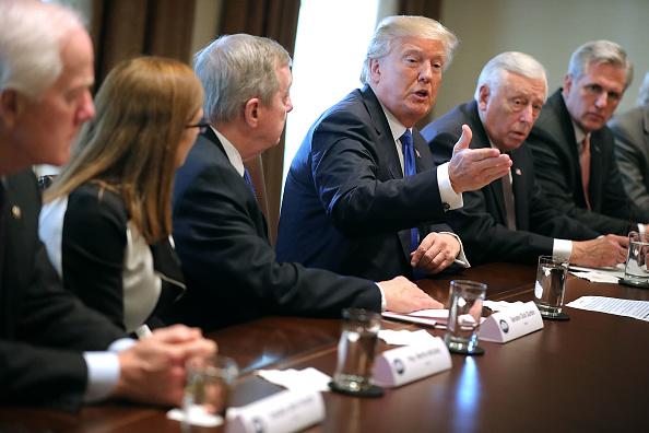 Politics「President Trump Meets With Bipartisan Group Of Senators On Immigration」:写真・画像(15)[壁紙.com]