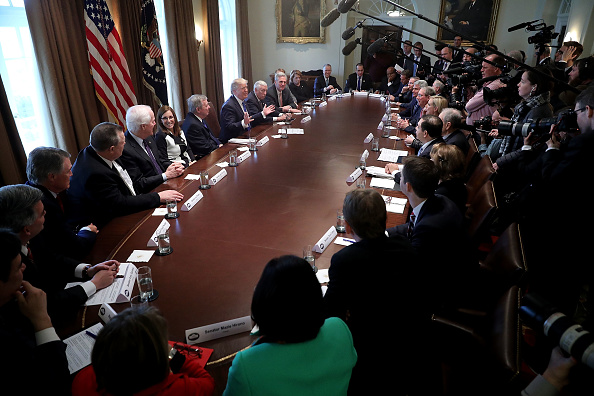 Meeting「President Trump Meets With Bipartisan Group Of Senators On Immigration」:写真・画像(2)[壁紙.com]