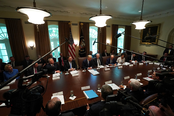 Cabinet Member「President Trump Holds A Cabinet Meeting At The White House」:写真・画像(13)[壁紙.com]