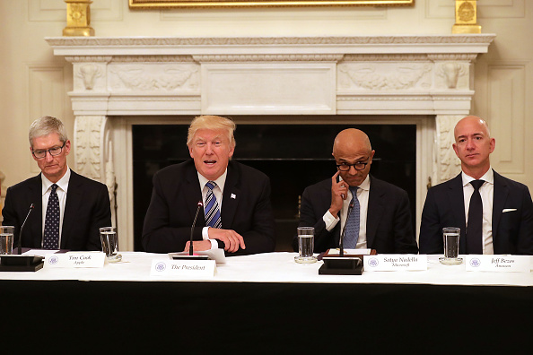 Politics「President Trump Hosts American Technology Council Roundtable」:写真・画像(8)[壁紙.com]