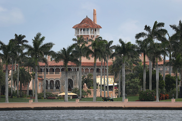 Tourist Resort「Chinese Woman With Malware Nearly Breaches Security At Trump's Mar-A-Lago Resort」:写真・画像(1)[壁紙.com]