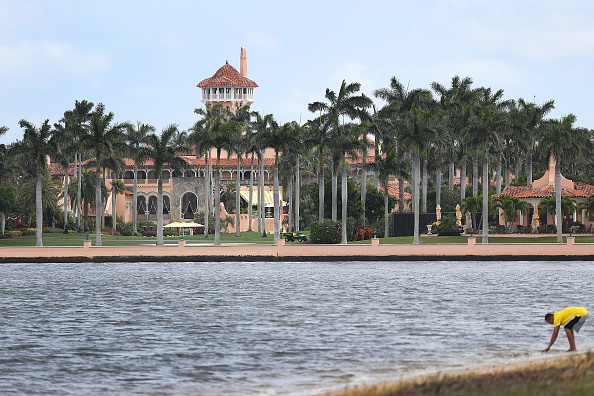 Tourist Resort「Chinese Woman With Malware Nearly Breaches Security At Trump's Mar-A-Lago Resort」:写真・画像(8)[壁紙.com]