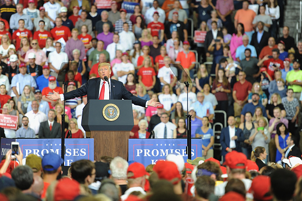 "MAGA「President Trump Holds ""MAGA"" Rally In Evansville, Indiana」:写真・画像(3)[壁紙.com]"
