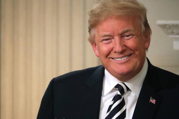 President Trump Hosts Iftar Dinner At White House:ニュース(壁紙.com)