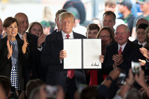 Chemical「President Trump Speaks At Renewable Energy Company In Iowa」:写真・画像(1)[壁紙.com]
