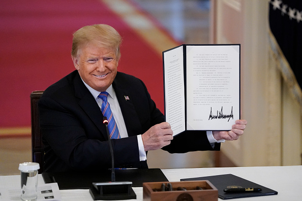 Executive Order「President Trump Delivers Remarks To The American Workforce Policy Advisory Board」:写真・画像(10)[壁紙.com]