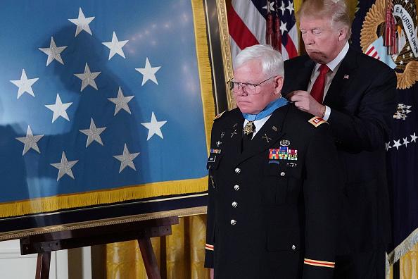 政治と行政「Vietnam War Veteran U.S. Army Captain Gary Rose Awarded Medal Of Honor」:写真・画像(8)[壁紙.com]