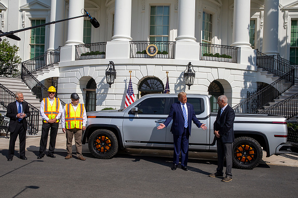 Outdoors「President Trump Inspects Electric Pickup Truck At The White House」:写真・画像(18)[壁紙.com]