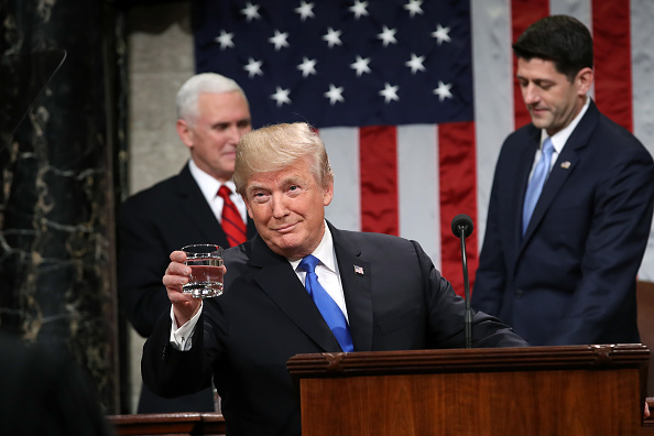 Water「President Trump Addresses The Nation In His First State Of The Union Address To Joint Session Of  Congress」:写真・画像(17)[壁紙.com]