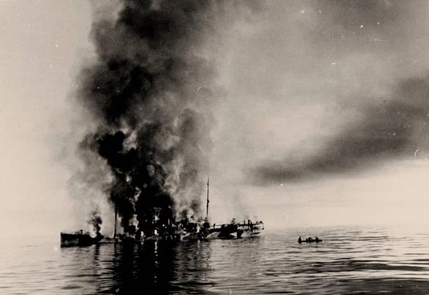 The Sinking Of Icebreaker Alexander Sibiryakov By German Cruiser Admiral Scheer On 25 August 1942 Creator: Anonymous:ニュース(壁紙.com)