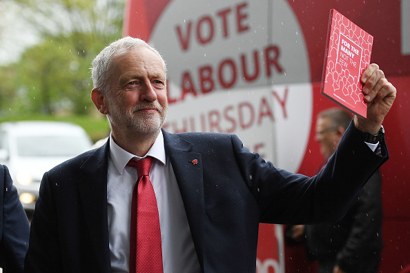 Leon Neal「Jeremy Corbyn Launches The Labour Party Election Manifesto」:写真・画像(8)[壁紙.com]
