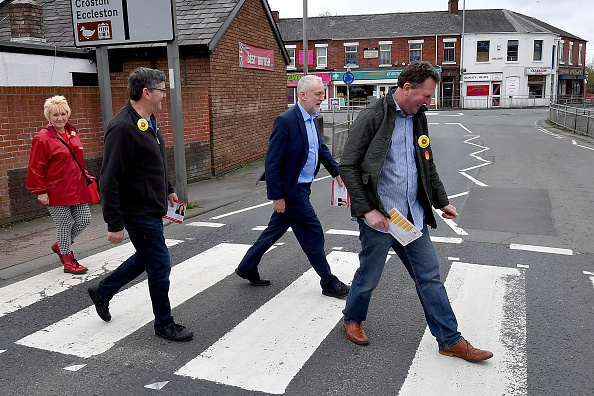 Road Marking「The Labour Party Announce Plans For Free School Meals For All Primary School Children」:写真・画像(19)[壁紙.com]