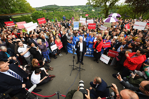 Leon Neal「Jeremy Corbyn Launches The Labour Party Election Manifesto」:写真・画像(13)[壁紙.com]