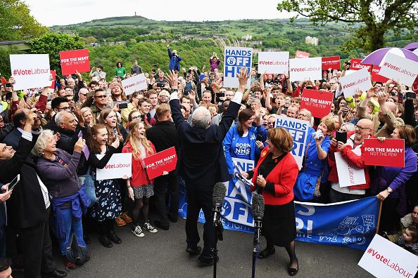 Crowd「Jeremy Corbyn Launches The Labour Party Election Manifesto」:写真・画像(16)[壁紙.com]