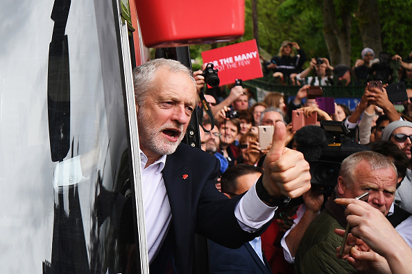 Leon Neal「Jeremy Corbyn Launches The Labour Party Election Manifesto」:写真・画像(15)[壁紙.com]