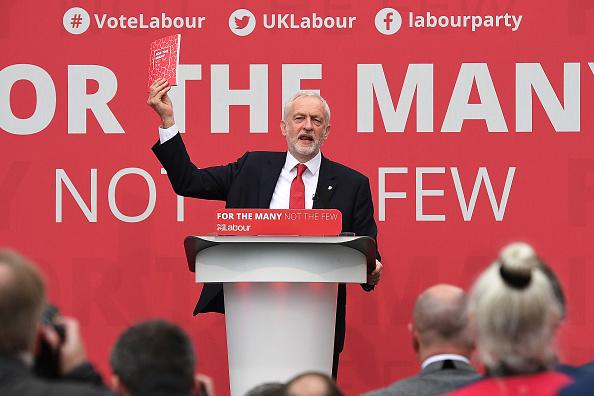 Labor Party「Jeremy Corbyn Launches The Labour Party Election Manifesto」:写真・画像(3)[壁紙.com]