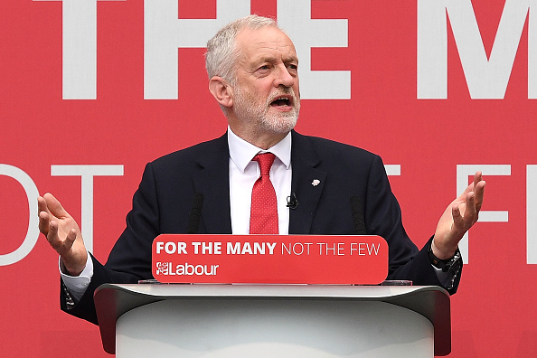 Leon Neal「Jeremy Corbyn Launches The Labour Party Election Manifesto」:写真・画像(10)[壁紙.com]