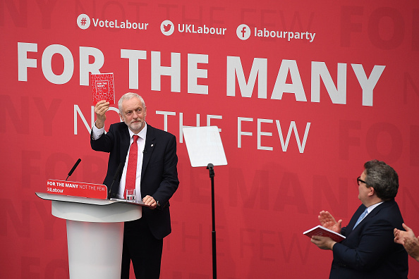 Leon Neal「Jeremy Corbyn Launches The Labour Party Election Manifesto」:写真・画像(19)[壁紙.com]