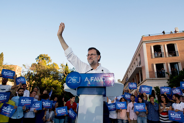 Popular Party「Candidate Mariano Rajoy Speaks At Popular Party Campaign Meeting」:写真・画像(11)[壁紙.com]