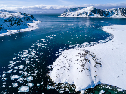 Pack Ice「View of Arctic Ocean with pack ice, Danskoya, Spitsbergen, Svalbard and Jan Mayen, Norway」:スマホ壁紙(14)