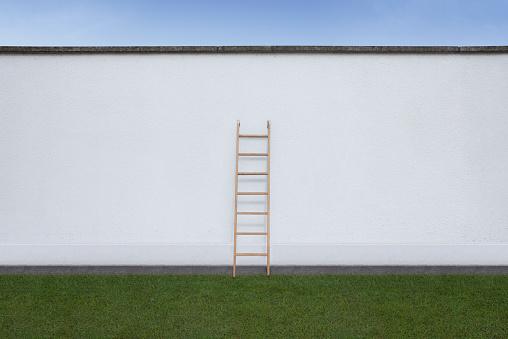 Decisions「Ladder on wall」:スマホ壁紙(6)