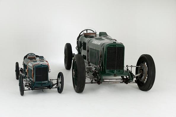 Comparison「1924 Sunbeam Cub 2 litre with Sunbeam Cub Motorised child's pedal car replica」:写真・画像(13)[壁紙.com]