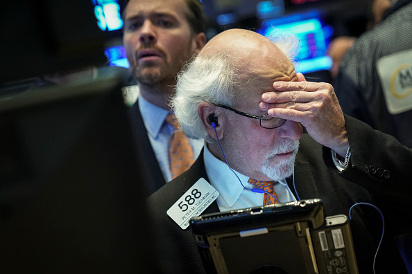 Closing「Dow Plunges Over 600 Points On Technology Sector Fears」:写真・画像(19)[壁紙.com]