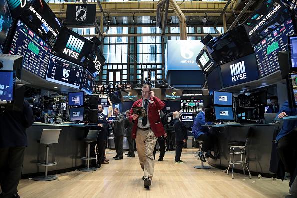 USA「Dow Jones Average Rises Close To 100 Points」:写真・画像(0)[壁紙.com]