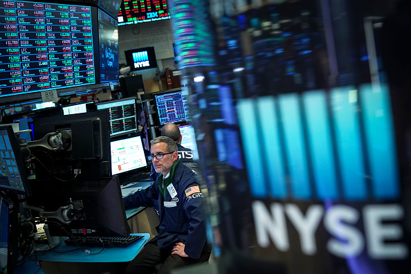 Drew Angerer「Stock Markets Reacts To Federal Reserve Interest Rate Announcement」:写真・画像(10)[壁紙.com]