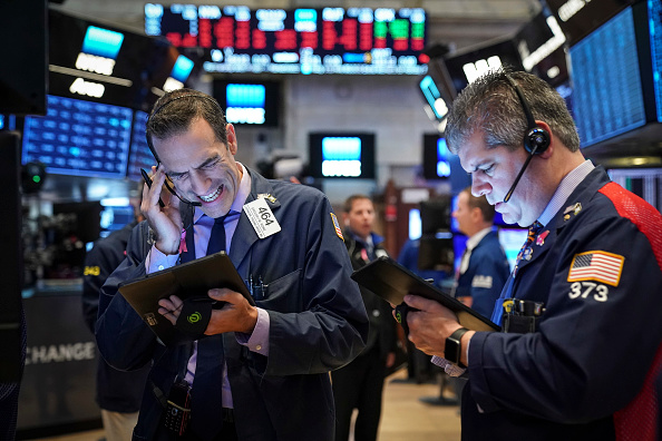 Trader「Markets Open After Dropping Over 500 Points Previous Day」:写真・画像(0)[壁紙.com]