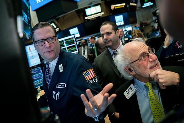 Finance and Economy「Dow Jones Industrials Average Opens Down Over 200 Points」:写真・画像(1)[壁紙.com]