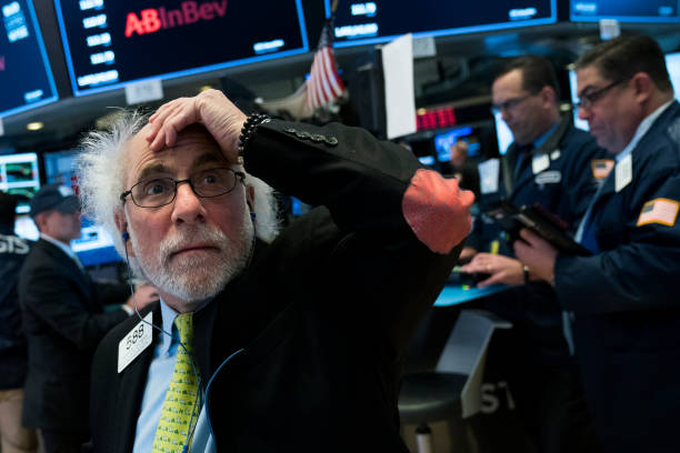 Trader「Dow Jones Industrials Closes Down Over 600 Points」:写真・画像(4)[壁紙.com]