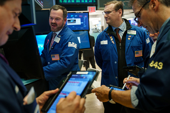 閉める「Dow Jones Industrial Average Closes At Record High」:写真・画像(17)[壁紙.com]