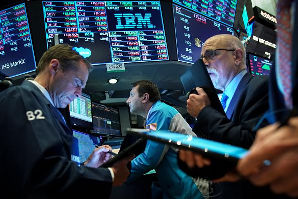 Trader「Dow Drops Precipitously After Trump Announces New China Tariffs」:写真・画像(16)[壁紙.com]