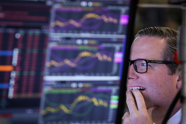 Stock Market and Exchange「Stock Markets Continue To Take Dive Downward」:写真・画像(19)[壁紙.com]