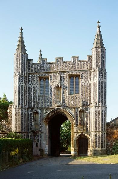 Circa 14th Century「St Johns Abbey Gate,」:写真・画像(12)[壁紙.com]