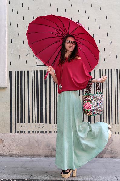 Umbrella「Street Style in Barcelona」:写真・画像(16)[壁紙.com]