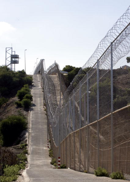 October「Spanish Authorities Raise Separation Fence In Melilla」:写真・画像(15)[壁紙.com]