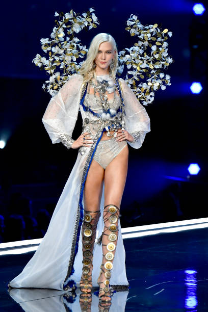 Karlie Kloss「2017 Victoria's Secret Fashion Show In Shanghai - Show」:写真・画像(14)[壁紙.com]