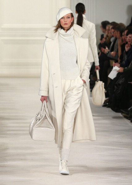 Catwalk - Stage「Mercedes-Benz Fashion Week Fall 2014 - Official Coverage - Best Of Runway Day 8」:写真・画像(17)[壁紙.com]