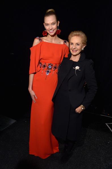 Karlie Kloss「Carolina Herrera - Backstage - Mercedes-Benz Fashion Week Fall 2014」:写真・画像(2)[壁紙.com]