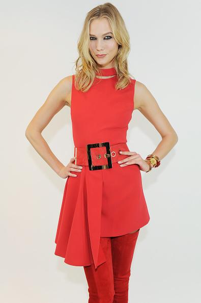Karlie Kloss「Versace - Backstage - MFW FW2015」:写真・画像(0)[壁紙.com]