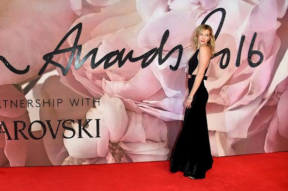 Stuart C「The Fashion Awards 2016 - Red Carpet Arrivals」:写真・画像(17)[壁紙.com]