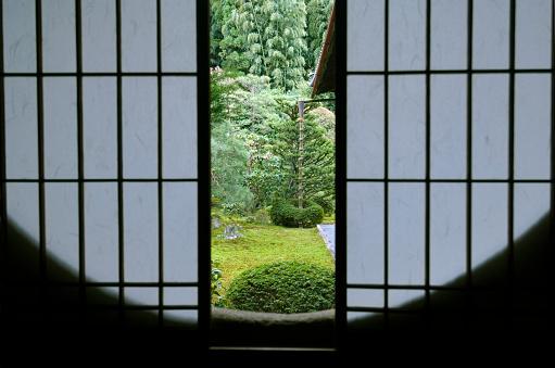 Tea Room「Tea room window, close-up」:スマホ壁紙(19)