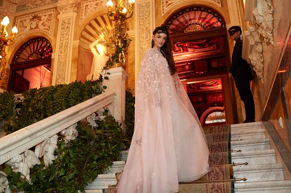 クリスチャンディオール「Dior Ball : Party In Madrid」:写真・画像(9)[壁紙.com]