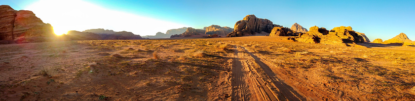 Arid Climate「Sunset at Wadi Rum Desert」:スマホ壁紙(6)